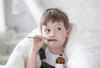 Чем лечить сильный кашель у ребенка: три простых рецепта