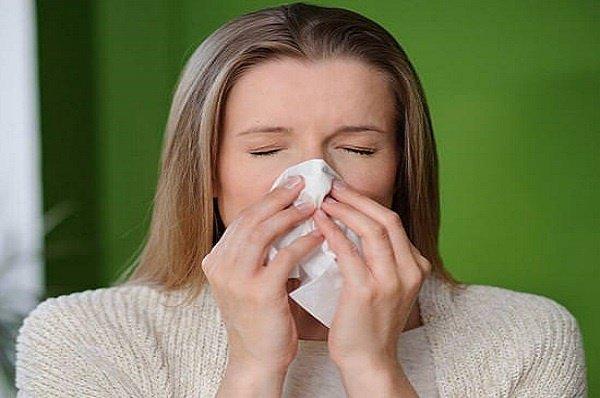 10 способов лечения насморка народными средствами
